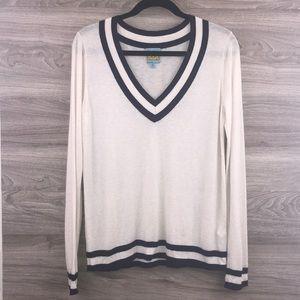 C&C ivory cream blue v-neck long sleeve sweater M